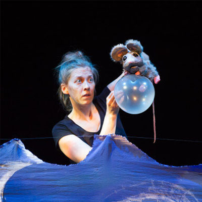 the floating mouse a touring theatre production